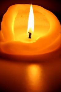 candle-1818703_640