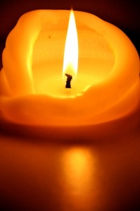 candle-1818703_640