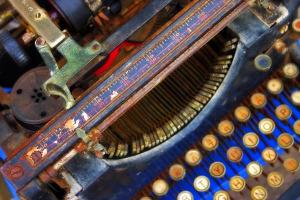 typewriter-skip-hunt