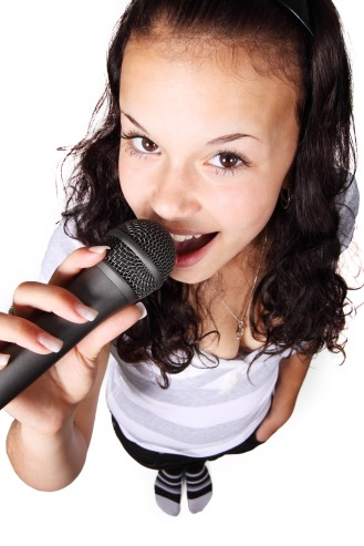 audio-female-girl-karaoke-41368.jpeg